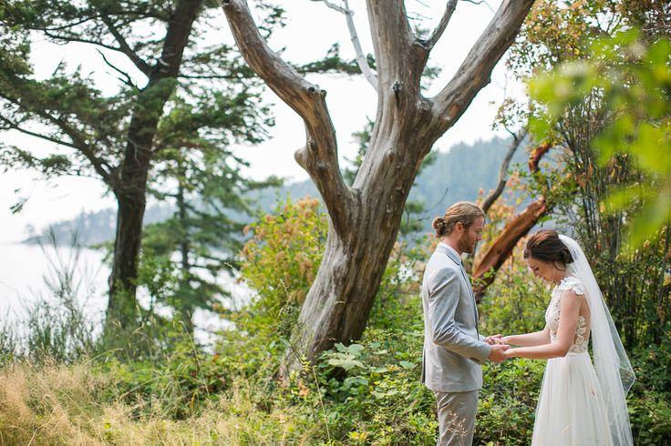 Pacific Northwest Wedding | Woodstock Farm | First Look | Washington Wedding