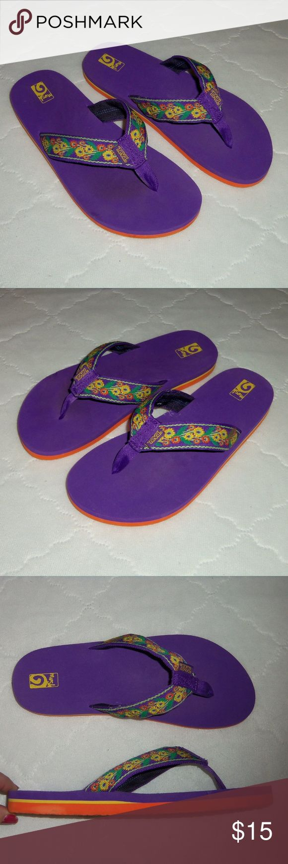 "Teva purple flip flops 7 EU 40 see description! Very cute pair of Teva mush sandals! Size inside states US 7 EUR 40, but they don't fit like a 7, they fit more like a ""9"" equivalent to the EUR 40 size. ( I wear an 8.5 and they are a little too big for me.)  Floral straps on upper. Excellent /mint condition! Teva Shoes Sandals"