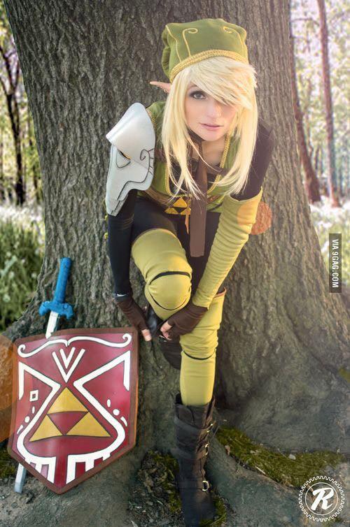 Linkle/gender-bent Link cosplay