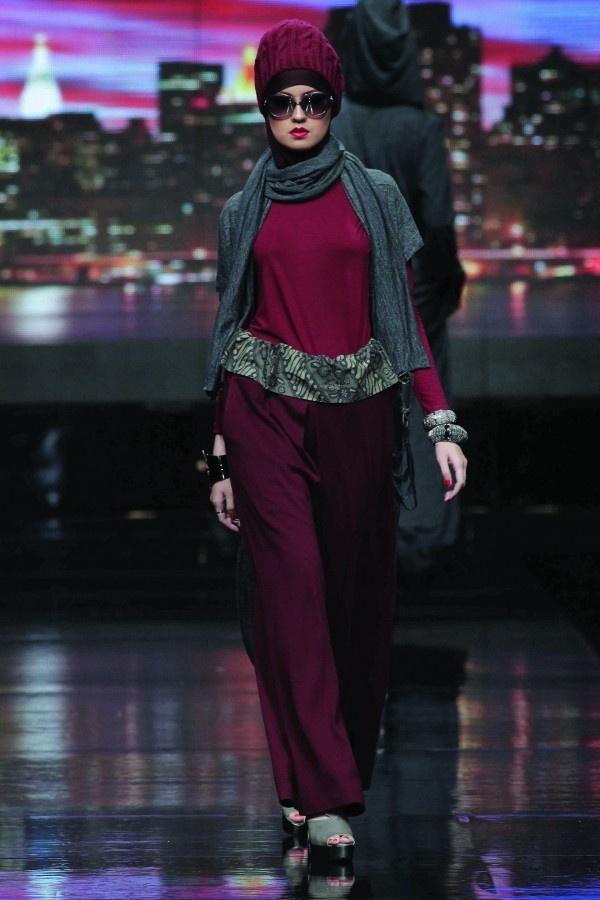 Monica Jufry - JAKARTA FASHION WEEK 2012