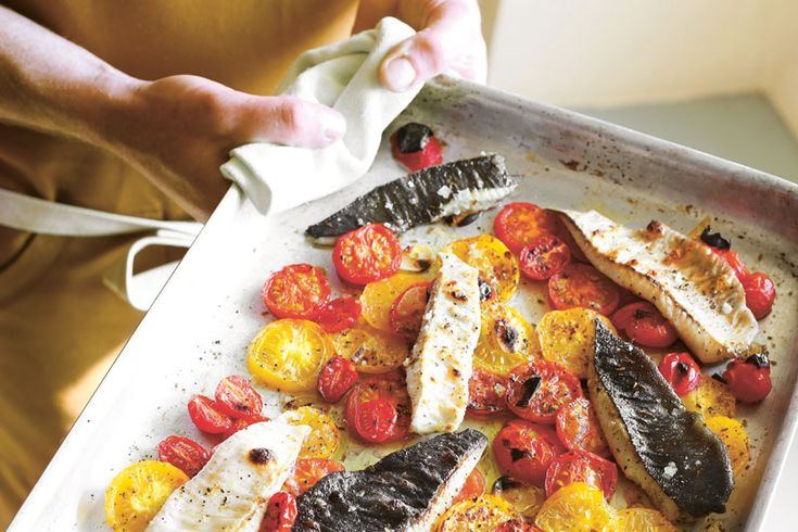 Grilled flounder and tomatoes