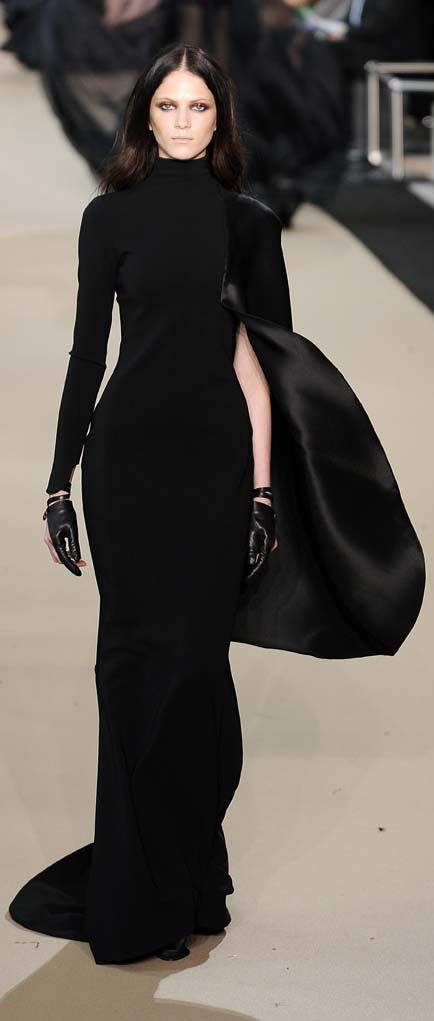 ? St�phane Rolland Black Dress #2dayslook #sasssjane #BlackDress www.2dayslook.com