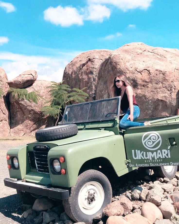 Safari in the zoo🌵🌾 . Me enamore de Pereira y sus hermosos lugares (aunque la silla ardía no podía faltar esta fotografía LOL) #STOPCOMPLAININGIDO #safaripark #safarizoo #zoo #Pereira #colombia #loving #sunnyday #trip #friendstrip