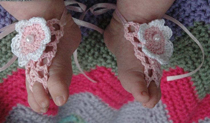 Crochet Pattern For Baby Barefoot Sandals : 1000+ images about Free Baby Barefoot Sandal Crochet ...