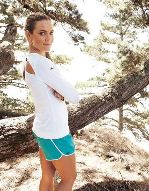 Look good and feel good when you work out with O'Neill 365. Santa Cruz run with Natalie Coughlin.