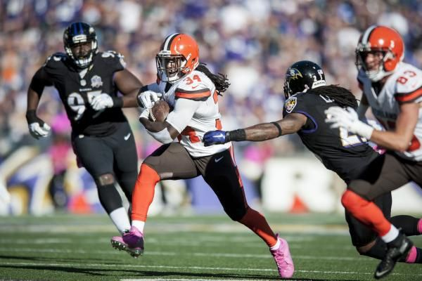 BEREA, Ohio — A year ago, the Cleveland Browns rushed the ball 350 times which, along with the Detroit Lions also rushing 350 times, marked the fewest attempts in the NFL and 66 fewer carries than the league average.  That number is far below what head coach Hue Jackson, who calls the... - #Browns, #Cleveland, #Fo, #Run, #Surprise, #TopStories