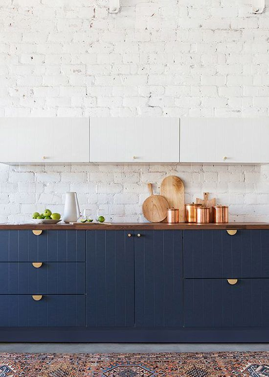 White Navy Blue Warm Wood Gold Hardware Copper Accessories Simple Kitchen Remodel Navy Kitchen Cabinets Kitchen Renovation
