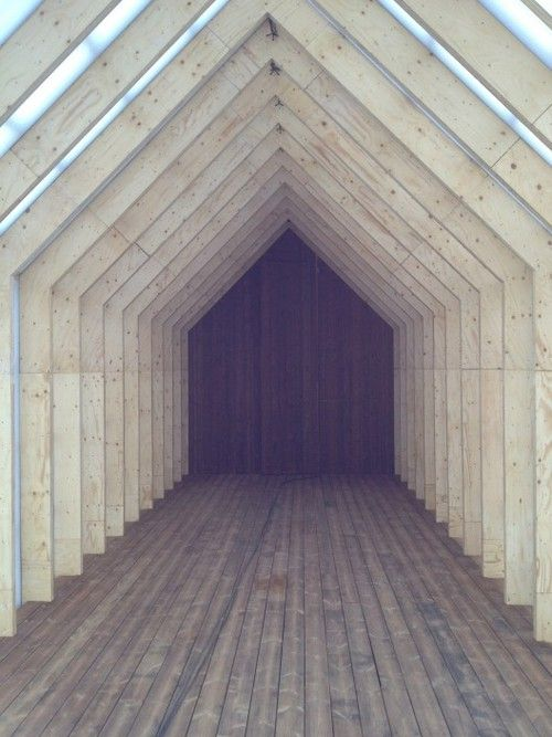 Gable vaulted roof. Timber and glazed ceilings. e: info@edite.co.uk w: www.edite.co.uk t: 0208 1337 446