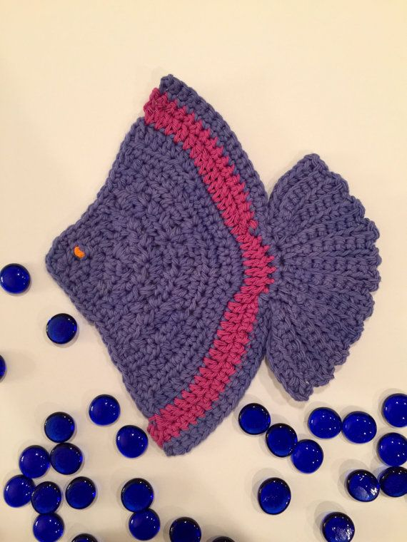Hey, I found this really awesome Etsy listing at https://www.etsy.com/listing/474322429/blue-fish-hot-pad-fish-potholder-beach