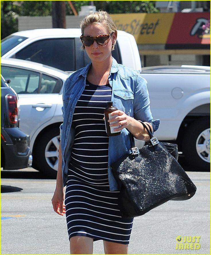 Pregnant Katherine Heigl (1012×1222)