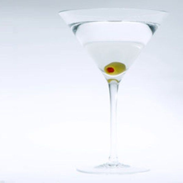 Classic Dry Martini recipe | Epicurious.com