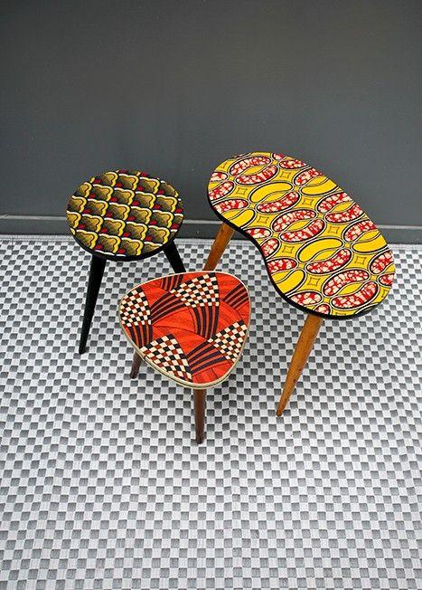 Anciennes tables à 3 pieds, customisées avec du tissu wax : inspiration.