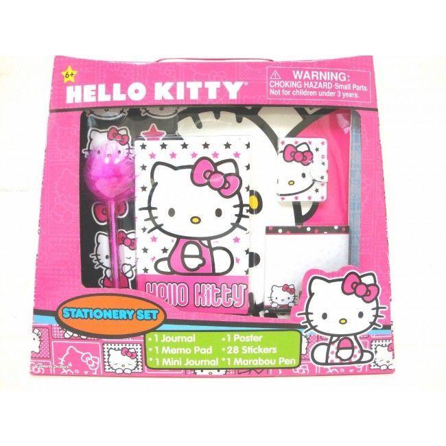 Deixe a criatividade da sua criança voar longe com este adorável kit Papelaria da Hello Kitty da Sanrio com 33 adoráveis itens.  Criatividade e memórias com a Hello Kitty Que tal desenhar, escrever ou criar e recriar memórias com a Hello Kitty? Para isso a Sanrio traz para todas as meninas este lindo e adorável Kit Papelaria da Hello Kitty, que vem com um bloquinho, 28 adesivos, um poster, um diário, um mini diário e uma caneta Marabou. Perfeito para encantar e dar asas à criatividade!