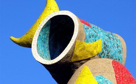 Barcelona  El Toreador.  Una fabulosa escultura en el Parc Joan Miro  http://www.eventrocks.com/assets/parc_joan_miro_39434.jpg