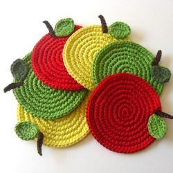 apple coasters - these would be so cute to give to kids' teachers!!