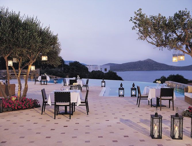 We invite you to savor an extensive selection of mouthwatering Mediterranean cuisine creations complimented by divine cocktails, fine Cretan wines and breathtaking sea view and indulge in a unique experience of gourmet cuisine in Crete.