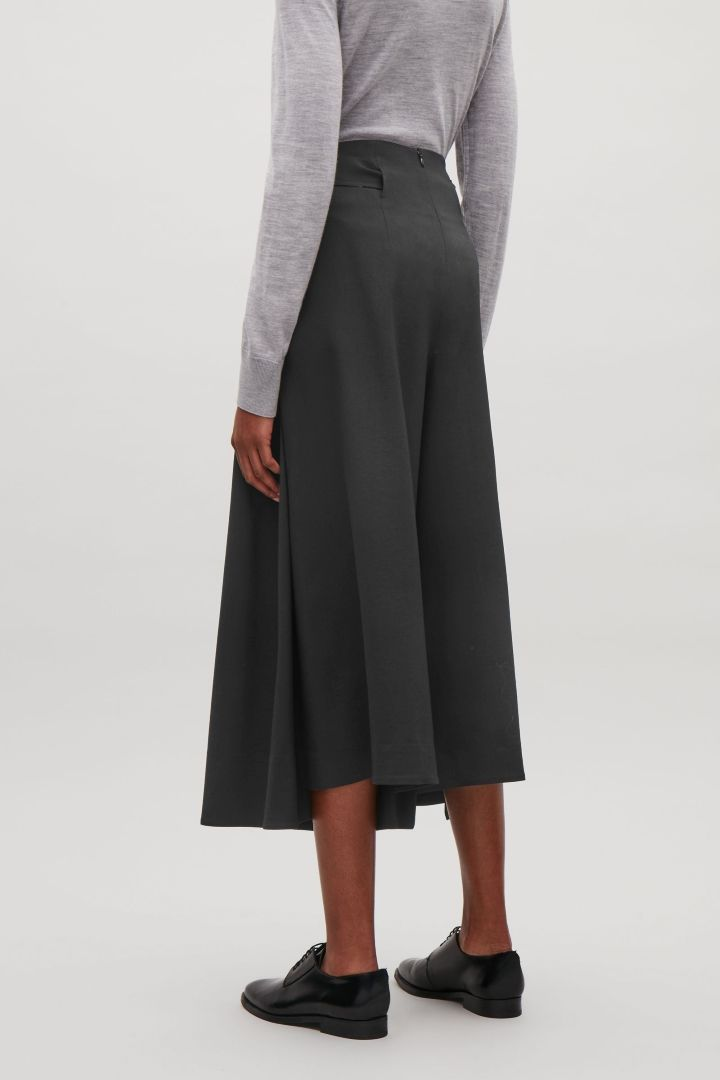 00e0e203812d COS | Pleated wide-leg culottes | SHAPES18 | Wide trousers, Wide leg ...