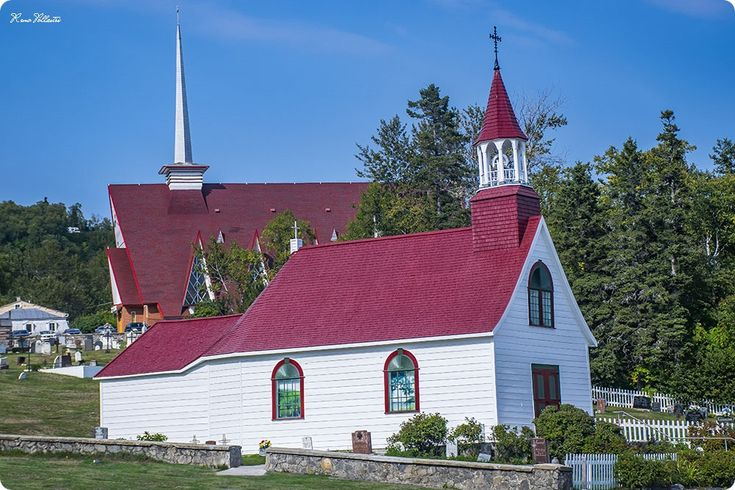 Tadoussac Chapel & Sainte-Croix Church