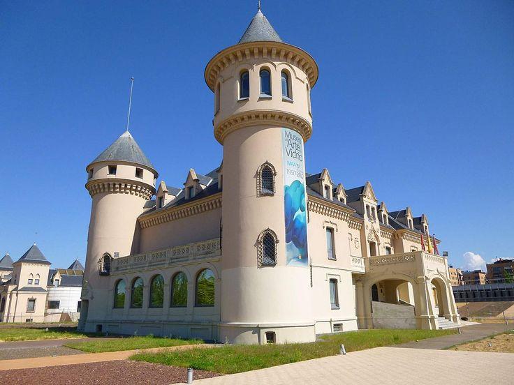 Castillos de Valderas y Museo de Arte en Vidrio de Alcorcón (MAVA) - Wikipedia, la enciclopedia libre