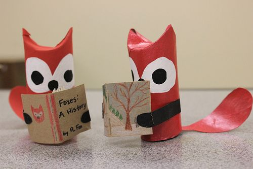 Dundee Library - Paper Tube Foxes Reading 1 by ThatGirlCanBake, via Flickr