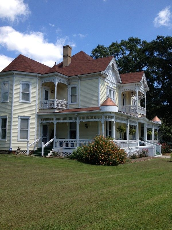 1908 Victorian Victorian Beauty In
