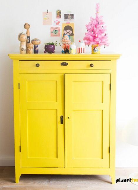 Un armario a todo color, para dar un toque personal a una habitación. #Viviz