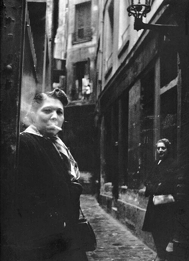 Robert Doisneau - Prostituées, Paris, 1940's.