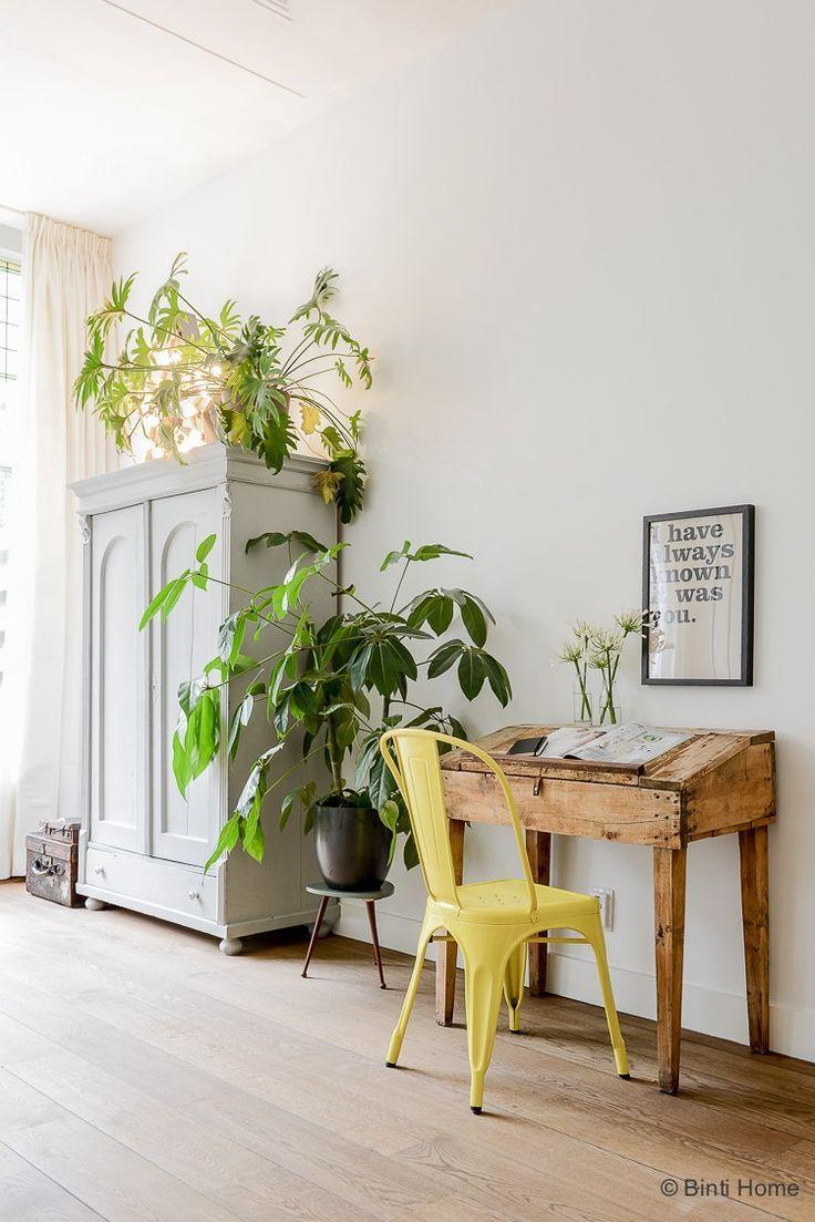 Binnenkijken In Een Bijzonder Familie Huis In Amsterdam Zuid | Writing Desk  | Pinterest