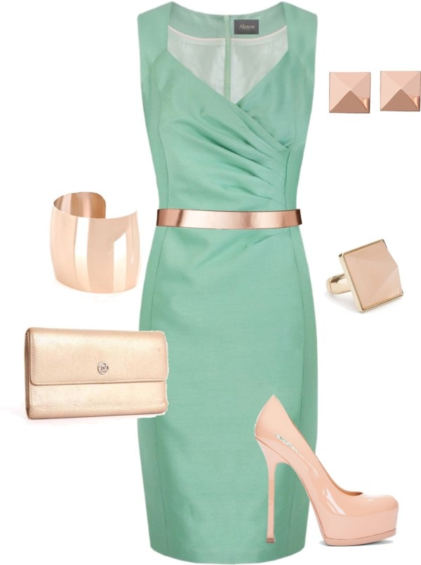 Mint and Champagne...Soooo gonna find a plus sized version of this...