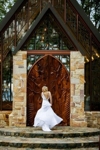 Life and love photography at The Chapel, Montville, Queensland