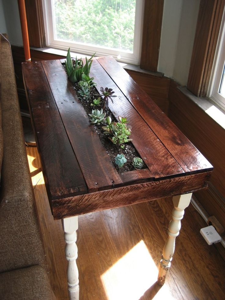 Pallet succulent side table by crazyascarl #furniture #furnishing #home #decor #plants