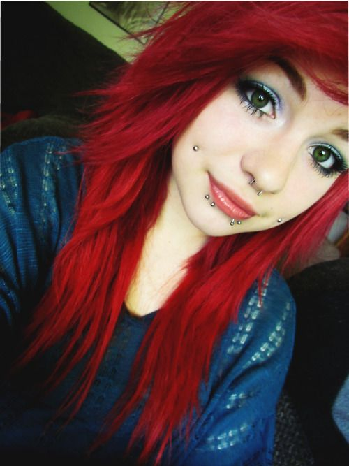 girl lip piercing | piercings # lip piercings # body modification