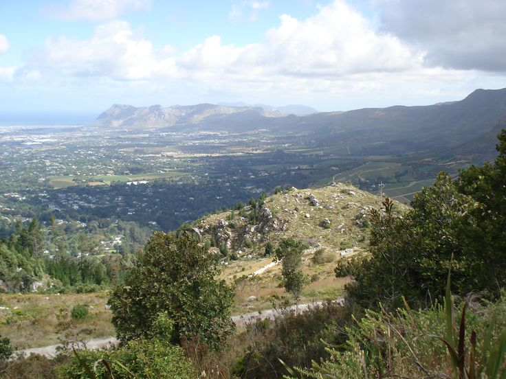 Constantia suburb seen from the eastern lower slopes of Table Mountain.