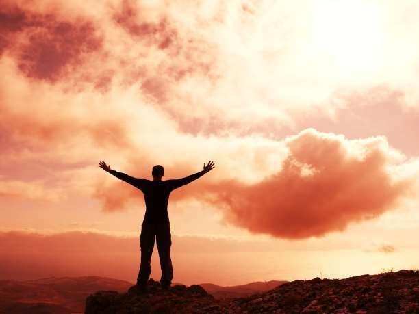 Οτιδήποτε καταπιέζεις πηγαίνει βαθύτερα, και οτιδήποτε εκφράζεις εξατμίζεται στον ουρανό