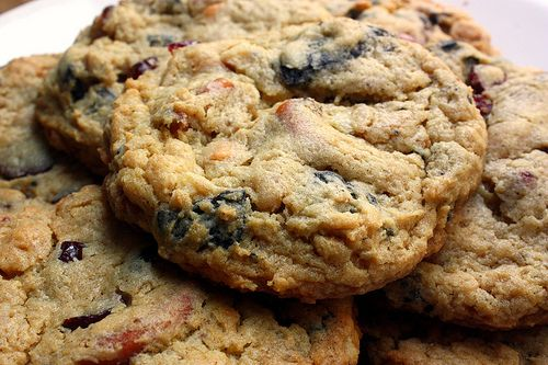 Potato chips, pretzels, ritz crackers, chocolate chips, butterscotch cihps, dried cranberries and oreos...all in ONE. COOKIE.
