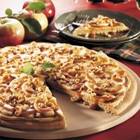 Taffy Apple Pizza: Cookies Dough, Sugar Cookies, Brown Sugar, Slices Apples, Taffy Apples, Apples Pizza, Caramel Tops, Pampered Chef, Chef Recipes