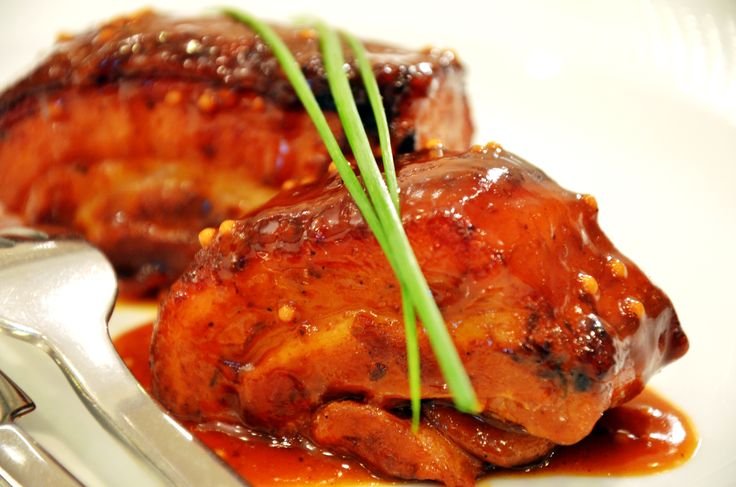 Caramelised pork served with sundried tomato & mustard seeds sauce.