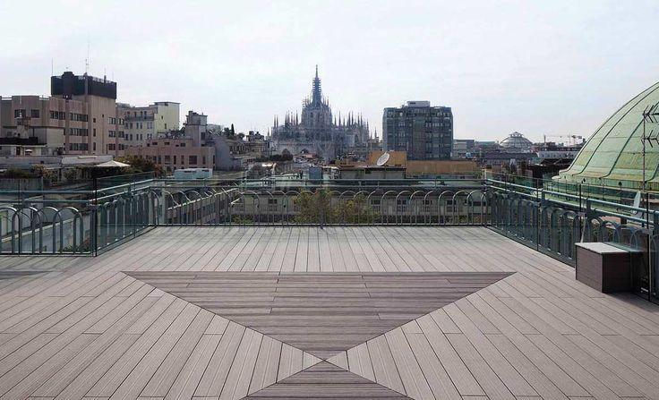 #Milano sulla #terrazza #belvedere della #cameradicommercio la scelta della #pavimentazione è #Greenwood #deck nella finitura #solarium nei #colori #tabacco e #terradisiena  #Edilpuglia #rappresentanze #edilpugliarappresentanze #qualita #edilizia #architettura #design
