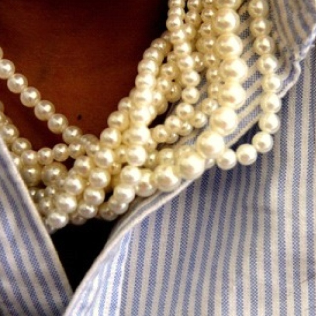 Stripes and pearls a truly southern thing.