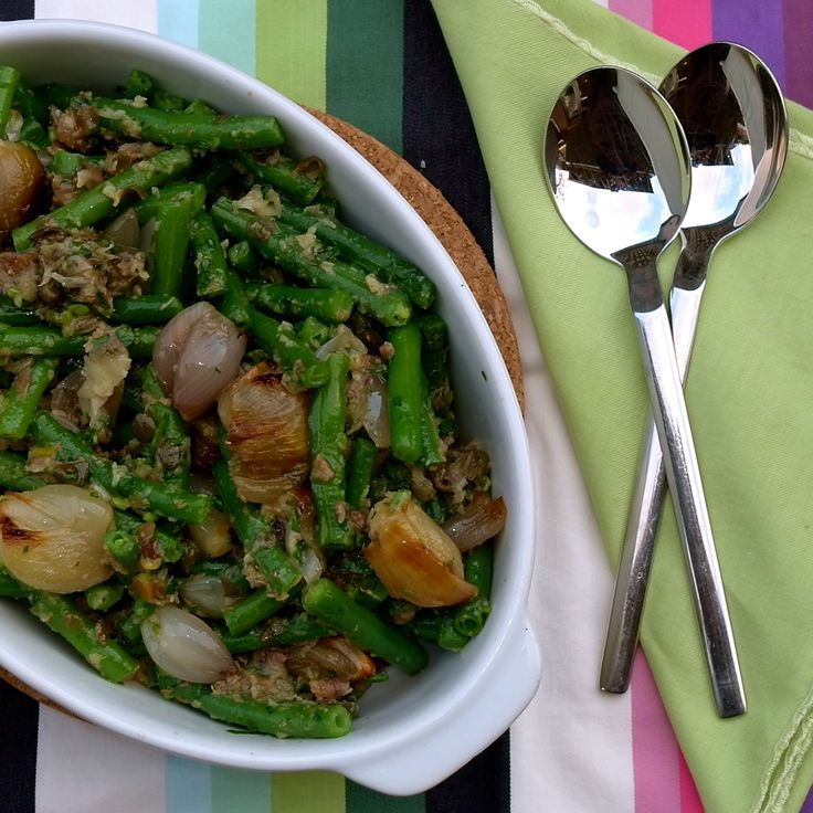 Fergus Henderson's anchovy shallot green Beans