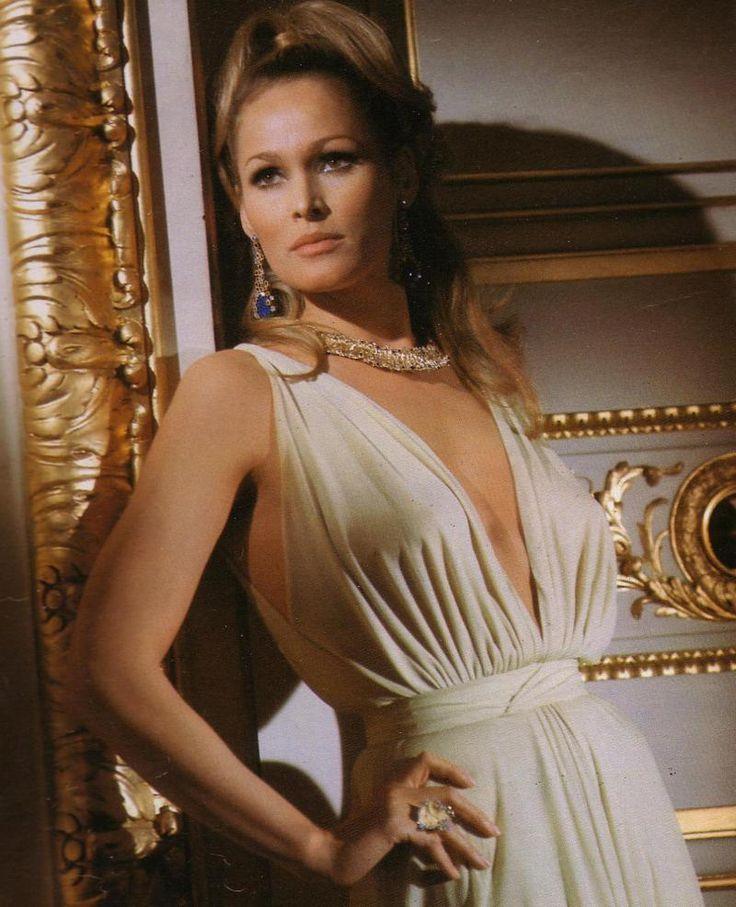 Eva Green, James Bond girl - Green starred opposite Daniel Craig in 2006's Casino Royale as Vesper Lynd. Description from pinterest.com. I searched for this on bing.com/images