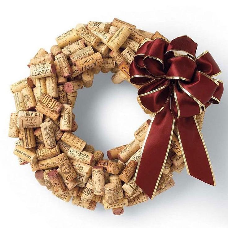 Curiosità dal mondo del vino e dintorni  - Ghirlanda natalizia con tappi in sughero -