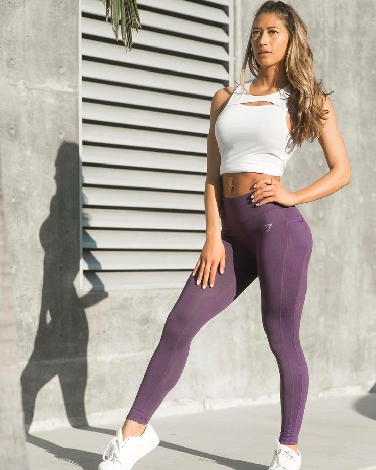 All about that purple vibe   @karinaelle styling the Sculpture leggings in purple.