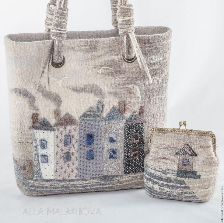 Купить Валяная сумка-корзинка  Есть такой Город ... - серый, сумка, валяная сумка, домики, архитектура
