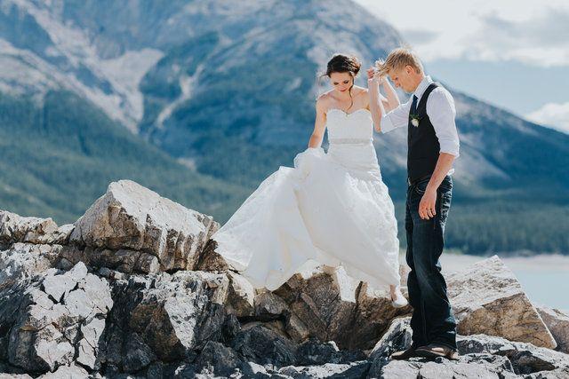 windy point wedding on Abraham Lake