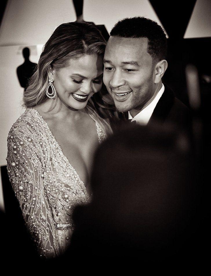 Pin for Later: Retour Sur les Meilleurs Moments des Oscars 2015 John Legend et Chrissy Teigen