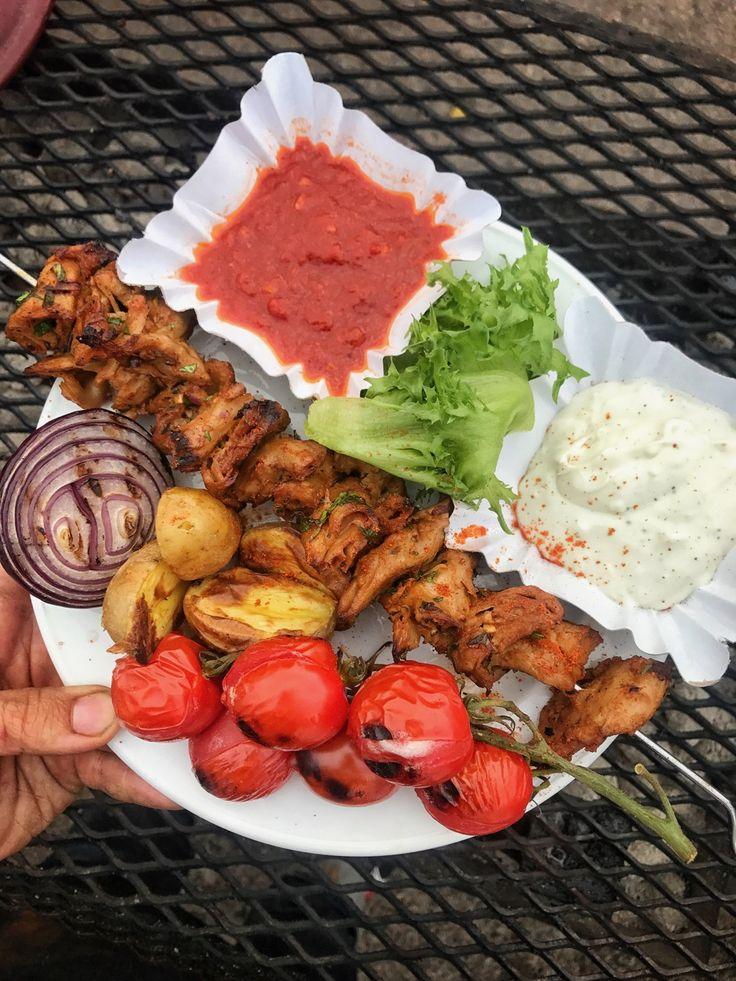 Vegankebab med röd och vit sås – Recept tre ifrån Grill & BBQ SM 2017 | Jävligt gott - vegetarisk mat och vegetariska recept för alla, lagad enkelt och jävligt gott.