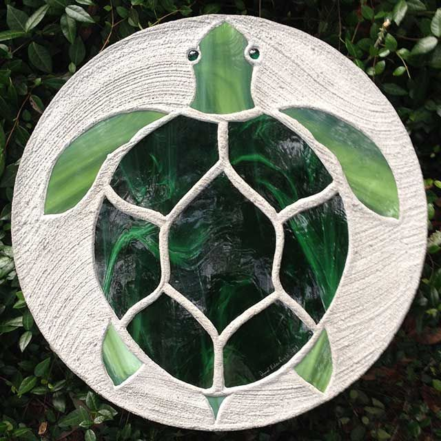 Sea Turtle Stepping Stone to go with the 'hatchling' stones in concrete foundation to create path to front door. Description from pinterest.com. I searched for this on bing.com/images