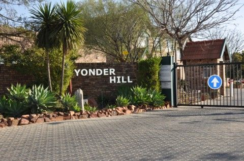 To Let: R9,929 P/M; Corporate Accommodation; Fully Furnished 1.5 Bedroom Apartment in Elarduspark, Pretoria East by Feel-at-Home Properties