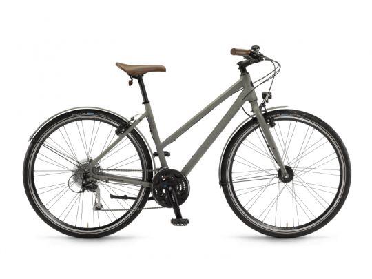 #Bicicleta de #oras #Winora Flitzer este o bicicleta #urbana elegantă, ce vine echipată pe măsură. #Transmisia #Shimano cu trei foi și opt pinioane asigură schimbări precise. #Franele sunt pe jantă, provin de la #XLC și sunt simple și eficiente